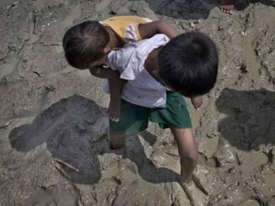 7 سالہ روہنگیا بچے نے نئی تاریخ رقم کردی، اپنی بہن کو برمی فوجیوں کی درندگی سے بچانے کیلئے ایسا کام کردکھایا کہ جان کر آپ کھڑے ہوکر اس بچے کو سلیوٹ کریں گے