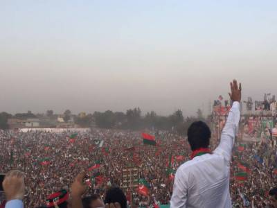 فاٹا اصلاحات میں مولانا فضل الرحمان اور محمود خان اچکزئی سب سے بڑی رکاوٹ ہیں : عمران خان