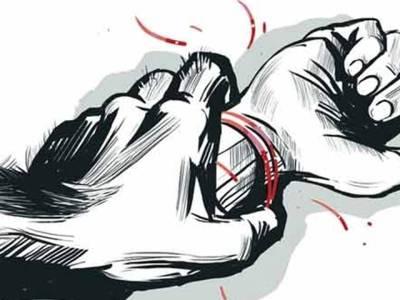 امام مسجد کی طلاق یافتہ حقیقی بیٹی سے زیادتی