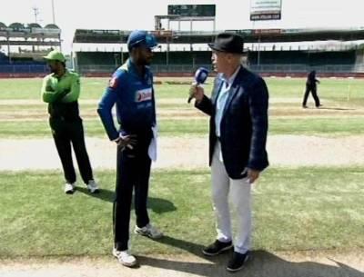 """سری لنکا نے ٹاس جیت لیا۔۔۔ اوپل تھرنگا کا فیصلہ سن کر سرفراز کی """"ہنسی"""" نکل گئی"""