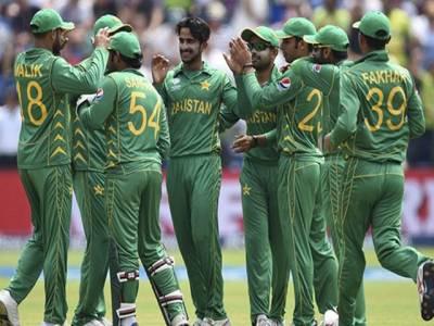 پاکستانی باﺅلرز نے5میچوں کی سیریزمیں ایک بھی نو بال نہیں کرائی