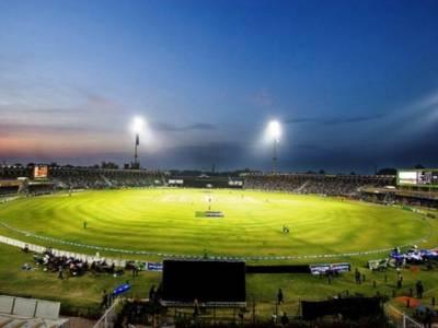 پاکستان اور سری لنکا کے درمیان تیسرا ٹی 20میچ آج قذافی سٹیڈیم میں کھیلا جائے گا،تاریخی لمحات کیلئے شائقین کرکٹ بے تاب