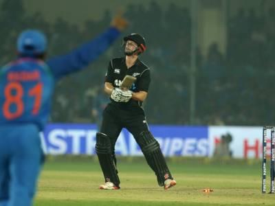 بھارت نے سنسنی خیز مرحلے کے بعد نیوزی لینڈ کوتیسرے ایک روزہ میچ میں6رنز سے شکست دے دی