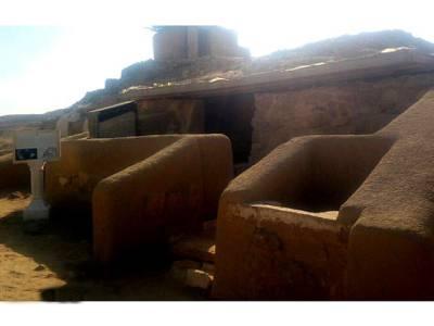 'اس مزارمیں جو شخص بھی داخل ہوا اسے۔۔۔' اہرام مصر بنانے والوں کے مزار عام عوام کے لئے کھول دئیے گئے، لیکن ہزاروں سال پہلے بنانے والوں نے ان کے اوپر کیا وارننگ لکھی؟ ایسی خوفناک بات کہ جان کر آپ ان قبروں کے قریب جانے کی بھی ہمت نہ کر پائیں گے