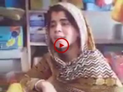 واہ کیا آواز ہے۔ اس بچی نے اپنی سریلی آواز میں ایسا گایا کہ سب سنتے ہی رہ گئے۔ ویڈیو: نزاکت علی۔ لاہور