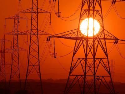 وزارت توانائی نے عوام کی کھال اتارنے کا فیصلہ کر لیا، بجلی چوری کا90 ارب روپے کا خسارہ عوام سے وصول کیا جائے گا