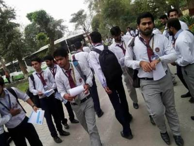 پنجاب حکومت کے پڑھو پنجاب، بڑھو پنجاب کے دعوے دھرے کے دھرے رہ گئے، جہلم کے گورنمنٹ ڈگری کالج میں 400 طلباء کے لیے صرف دو پروفیسرز