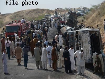 ملتان سمیت مختلف شہروں میں ٹریفک حادثات میں خاتون سمیت6 افراد جاں بحق،9 زخمی