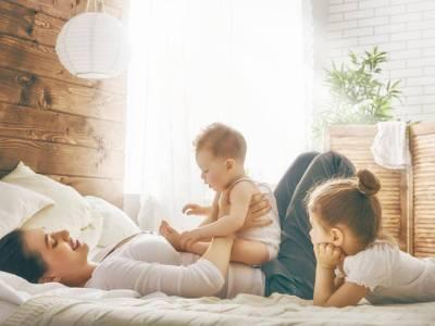 سب سے بڑا یا سب سے چھوٹا؟ بہن بھائیوں میں کون سے بچے سے والدین کو سب سے زیادہ پیار ہوتا ہے؟ سائنسدانوں نے بالآخر جواب دے دیا، دل تھام کر پڑھیے گا