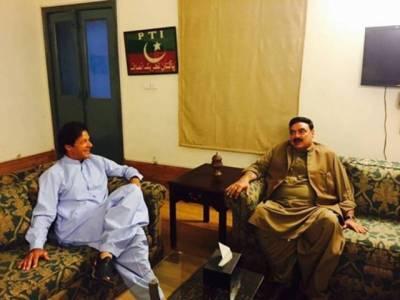عمران خان سے شیخ رشید کی ملاقات،ملکی سیاسی صورتحال پر تبادلہ خیال،قومی اسمبلی اجلاس میں شرکت کی درخواست