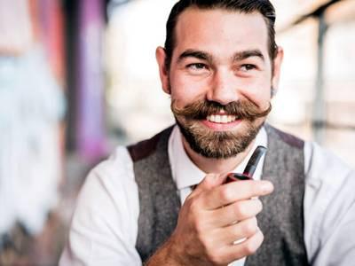 دنیا بھر کے کروڑوں مرد نومبر کے مہینے میں اپنی مونچھیں شیو کرنا بند کیوں کردیتے ہیں؟ وجہ جان کر آپ بھی ایسا ہی کریں گے