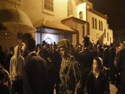 غرب اردن میں مسجد کے قریب یہودیوں کی عبادت پر تنازع