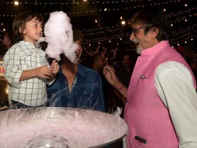 میرا بیٹا امیتابھ کو میرے پاپا سمجھتاہے :شاہ رخ خان