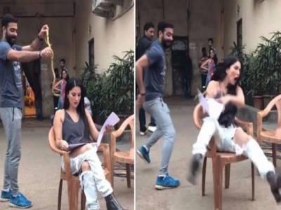 اداکارہ سنی لیون کی شوٹنگ کے دوران مذا ق کی ویڈیو وائر ل