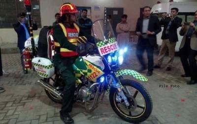 فیصل آباد میں موٹر سائیکل ایمبولینس سروس کا آغاز