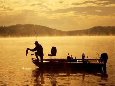 قطب شمالی میں مچھلیاں پکڑنے پر پابندی لگانے کا فیصلہ