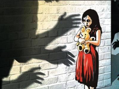درندہ صفت باپ کی 4 ماہ تک حقیقی بیٹی سے زیادتی ، اعتراف جرم کرلیا