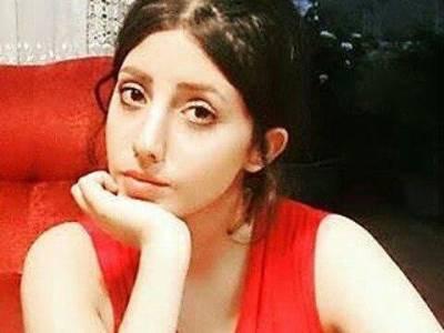 انجلینا جولی جیسی بننے کی خواہش میں اپنا چہرہ اس طرح کا کرنے والی لڑکی کی تصاویر اصلی ہیں یا فوٹوشاپ؟ بالآخر اصل حقیقت سامنے آگئی، معمہ حل ہو گیا