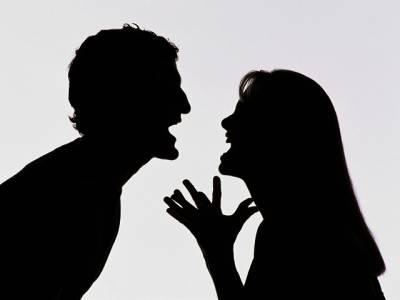 خاتون ایسی جماعت کے جلسے میں شرکت کے لئے پہنچ گئی کہ پتہ لگتے ہی شوہر نے فوری طلاق دے ڈالی