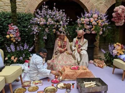 شادی کے بعد ویرات کوہلی اور انوشکا شرما کے مشترکہ اثاثوں کی مالیت کیا ہے؟ جان کر آپ سانس لینا ہی بھول جائیں گے