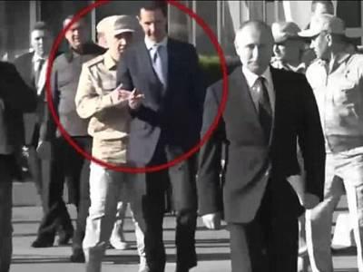 شام کی ہی سرزمین پر ایک عام سے روسی فوجی نے صدر بشارالاسد کے ساتھ ایسا کام کردیا کہ انہیں پوری دنیا کے سامنے شرم سے پانی پانی کردیا، دیکھ کر آپ کو بھی اس منظر پر یقین نہیں آئے گا کہ ایسا بھی ممکن ہے