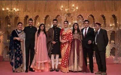 اپنی شادی کی تقریب میں ویرات کوہلی اور انوشکا شرما کا رقص، میلہ لوٹ لیا