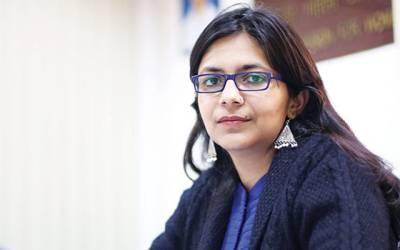 '' میں بھی آشرم میں اکیلی جاتی تو کسی صورت بچ کر باہر نہیں آ سکتی تھی '' دہلی خواتین کمیشن کی خوبرو سربراہ سواتی مالیوال نے ''جنسی بابا '' کے آشرم سے باہر نکلتے ساتھ ہی ایسا انکشاف کر دیا کہ ہر کوئی ہل کر رہ گیا