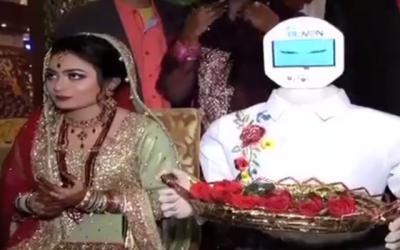 پاکستانی انجینئر نے شادی کے موقع پر اپنی دلہن کو روبوٹ بنا کے تحفے میں دے دیا، یہ کیا کرتا ہے؟ جان کر آپ بھی کہیں گے یہ تمام پاکستانی مردوں پر بازی لے گیا