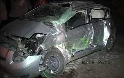 لودھراں میں کار آئل ٹینکر سے ٹکرا گئی،ایک شخص جاں بحق ،3زخمی