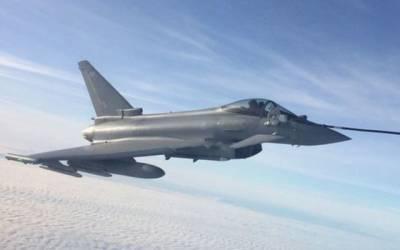 برطانوی وزیراعظم کے جہاز کے گرد ہوا میں ہی لڑاکا طیاروں نے گھیرا ڈال لیا کیونکہ ۔۔۔