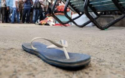 بھارتی فوج کا سپاہی، اس کی بیوی، اجنبی لڑکی اور گلے میں جوتیوں کا ہار۔۔۔ ایسی شرمناک ترین خبر آگئی کہ پورے ملک میں ہنگامہ برپاہوگیا