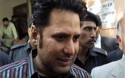 ایم کیو ایم پاکستان کی ایک اور پتنگ کٹ گئی،رکن اسمبلی کامران فاروقی آج پاک سرزمین پارٹی میں شمولیت کا اعلان کریں گے
