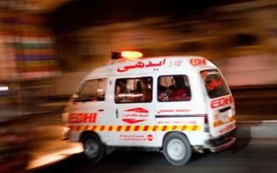 کراچی میں زخمی ڈاکٹر نے 3 ڈاکوو¿ں کو گاڑی سے کچل دیا