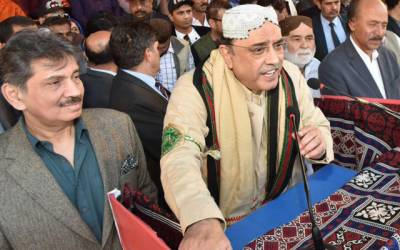 ملک کا وزیر خارجہ ایسے شخص کو لگا دیاگیا جو انگریزی بھی پنجابی کی طرح بولتاہے:آصف علی زرداری