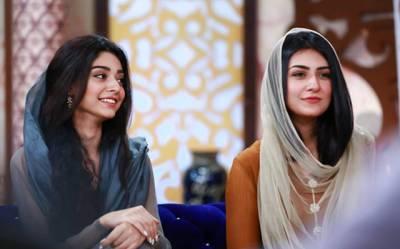 """اداکارہ سارہ خان نے اپنی بہن نور خان کی تصویر شیئر کر کے سوشل میڈیا """"فتح"""" کر لیا، نوجوان آنکھیں جھپکنا ہی بھول گئے، دیکھ کر آپ بھی بے اختیار کہہ اٹھیں گے """"اعلیٰ"""""""