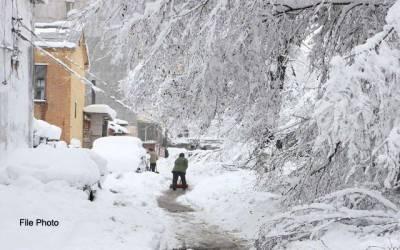 چین میں شدید برفباری سے 13 افراد ہلاک
