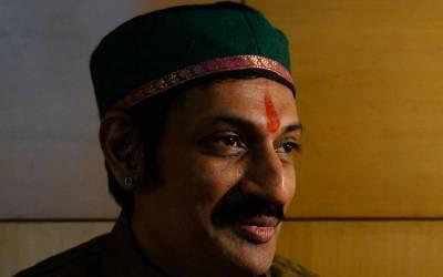 بھارت کے ہم جنس پرست نواب نے تمام بھارتی ہم جنسوں کے لئے اعلان کردیا، سب کو اپنے گھر بلالیا اور۔۔۔ بھارت سے ایک اور عجیب خبر آگئی
