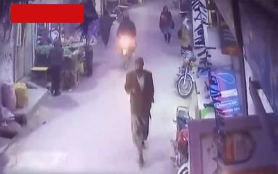 زینب قتل کیس، حساس اداروں نے ایک اور اہم ویڈیو حاصل کر لی