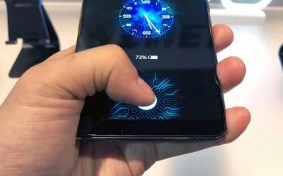چینی موبائل کمپنی ویوو نے ایپل اور سام سنگ کو بھی پیچھے چھوڑدیا، ایک ایسا فیچر موبائل میں دیدیا جو صارفین کی اشد ضرورت تھی