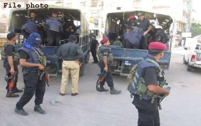 کراچی، شاہ لطیف ٹاﺅن میں پولیس مقابلے میں 4 دہشتگرد ہلاک