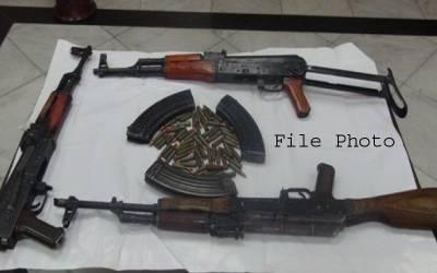 پشاور پولیس کی بڑی کارروائی ، اسلحہ سمگلنگ کی کوشش ناکام ، 7 ملزمان گرفتار