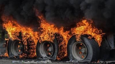 بھٹ شاہ میں قومی شاہراہ پر آئل ٹینکر میں آتشزدگی ،ڈرائیور موقع سے فرار