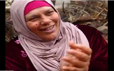 """"""" یہ ابھی بھی دوسری خواتین کو دیکھتا ہے اور۔۔۔""""125 سالہ عرب شہری کی بیگم نے ایسی بات کہہ دی کہ سن کر آپ ہنس ہنس کر لوٹ پوٹ ہوجائیں گے"""