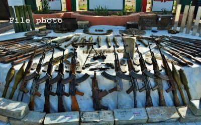 جنوبی وزیرستان، سکیورٹی فورسز کی کارروائی میں گھر سے بھاری تعداد میں اسلحہ و گولہ بارود برآمد