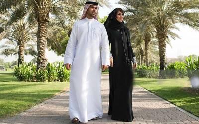 شوہر سے تنگ عرب خاتون نے طلاق لینے کی کوشش میں اپنے شوہر کے موبائل فون کے ساتھ وہ کام کردیا جو تاریخ میں آج تک کسی بیوی نے نہیں کیا، حقیقت جان کر آپ بھی اس چالاکی پر دنگ رہ جائیں گے