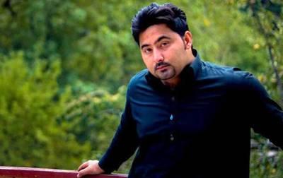مشال قتل کیس کا مرکزی ملزم عارف خان اس وقت کہاں ہے؟ نجی ٹی وی نے ایسے دعویٰ کر دیا کہ کے پی کے پولیس شرم سے پانی پانی ہو جائے گی