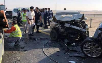 ابو ظہبی میں درجنوں گاڑیاں آپس میں ٹکرا گئیں ، متعدد افراد زخمی
