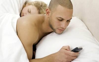 'شادی شدہ لوگ بے وفائی سب سے زیادہ اس وجہ سے کرتے ہیں کہ۔۔۔' تازہ تحقیق میں ماہرین نے ایسی وجہ بے نقاب کردی جو کسی نے اب تک سوچی بھی نہ تھی