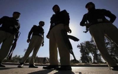 سندھ پولیس کی کندھ کوٹ کے مختلف علاقوں میں کارروائیاں،2اشتہاری گرفتار
