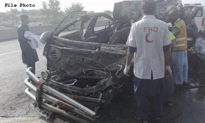 حیدرآباد: ڈمپر اور سوزوکی میں تصادم ، 10 افراد جاں بحق